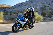 BMW R1200RS action